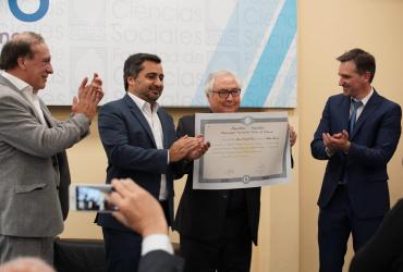 Manuel Castells recibió el título de Profesor Honorario de la UNLZ